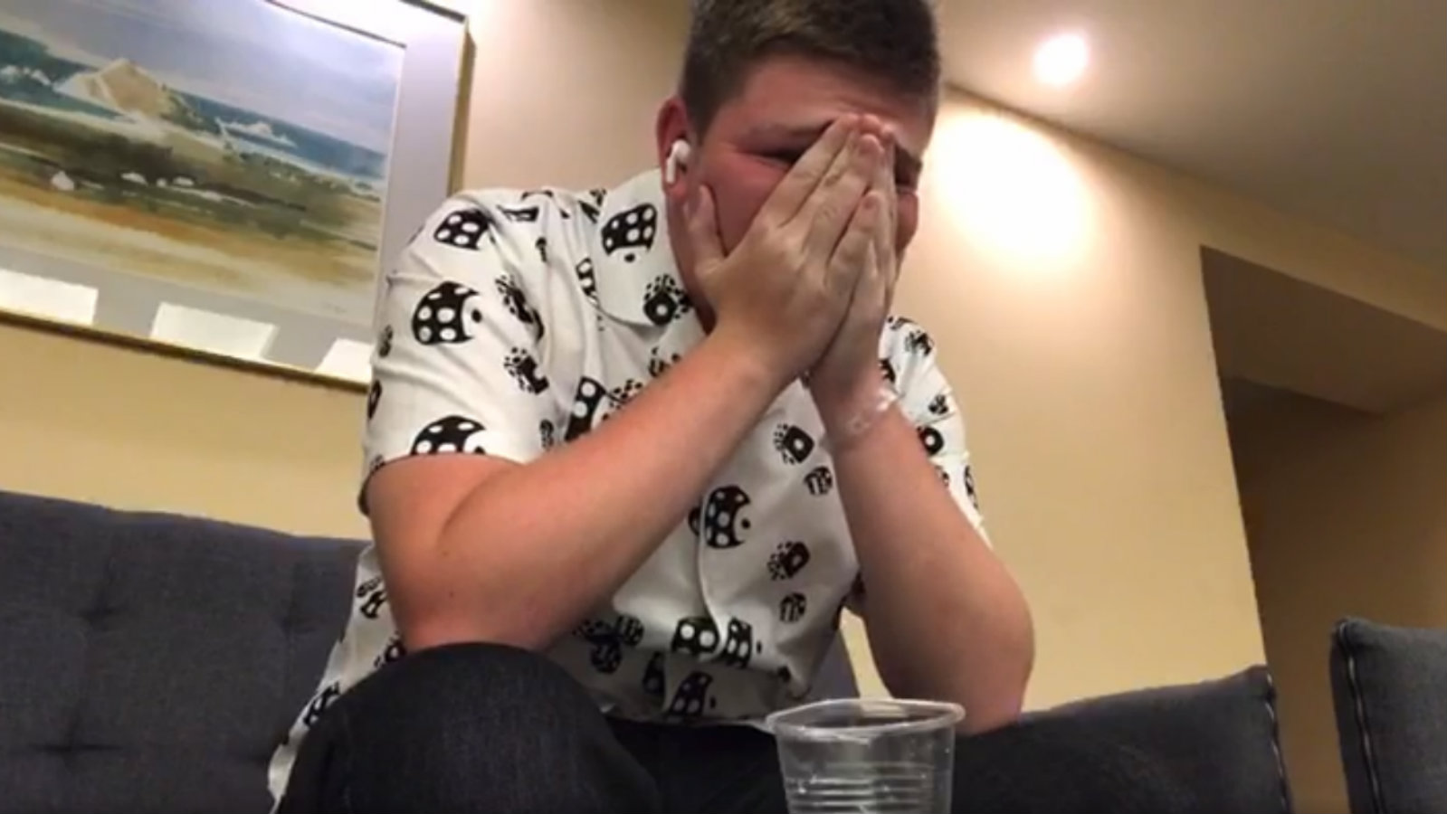 AverageHarrry cries after being laughed at