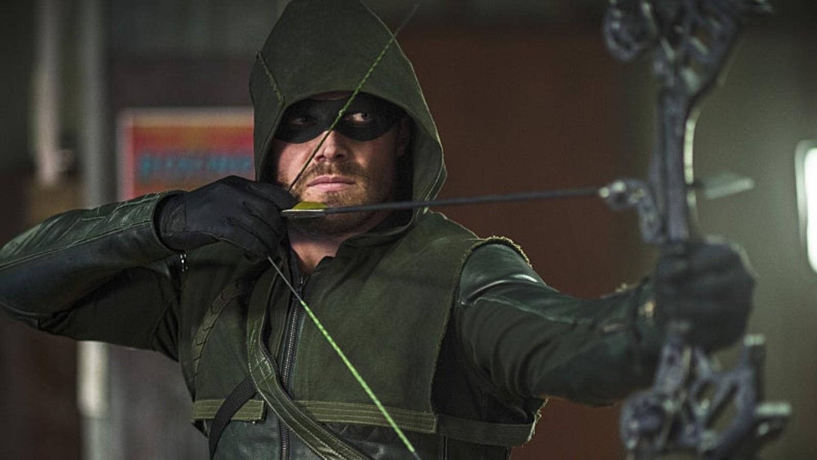 Stephen Amell in season 1 of Arrow