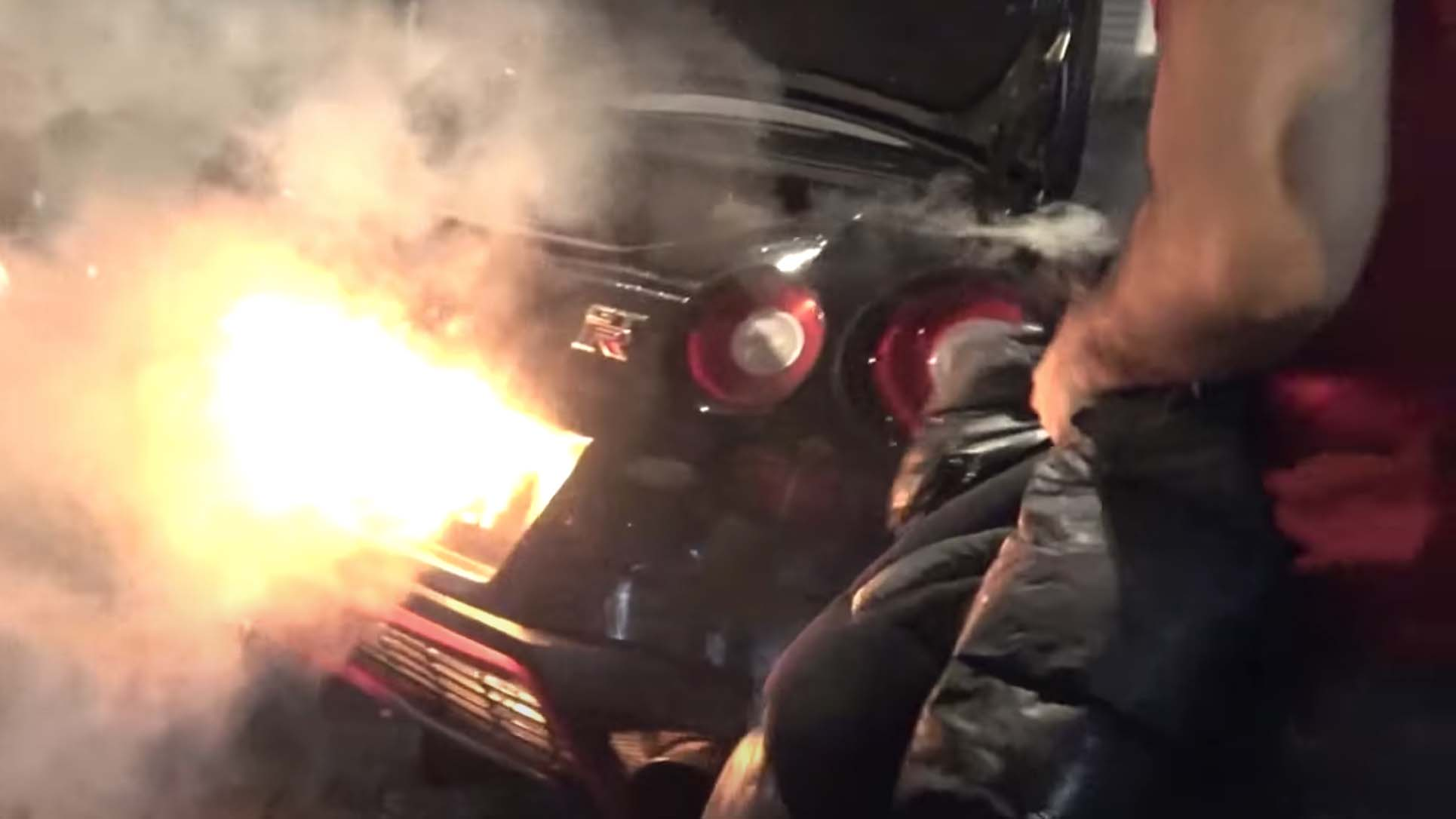 Nissan GTR Goes up in flames