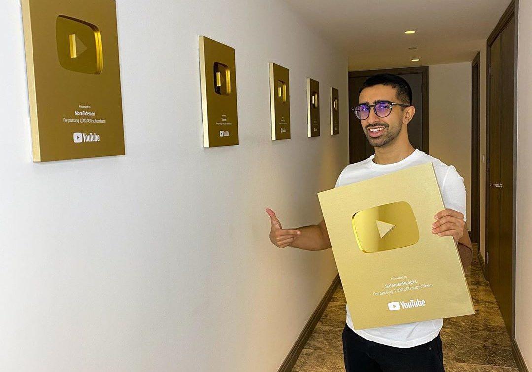 Vikkstar gold YouTube plaques