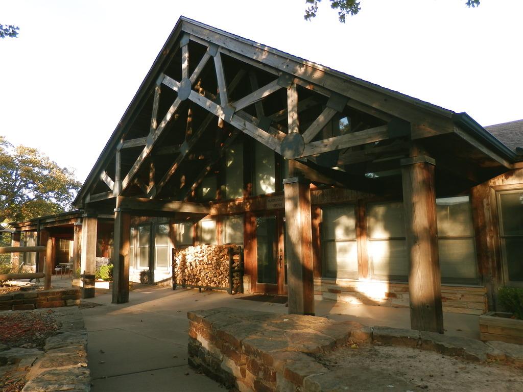 St. Crispin's, lodge
