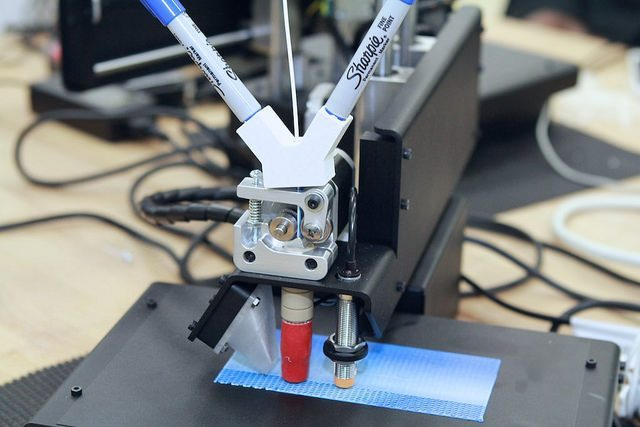 sharpie-filament-holder