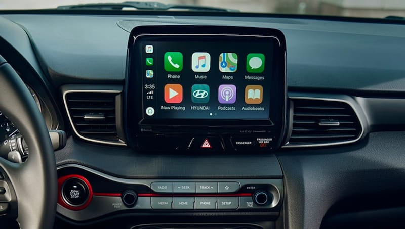 Apple CarPlay® / Android Auto™