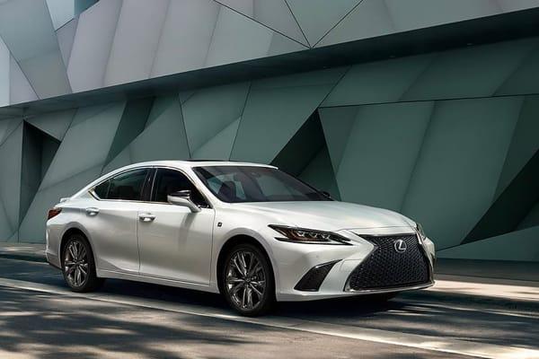 2020 ES Hybrid-Comfort & Design