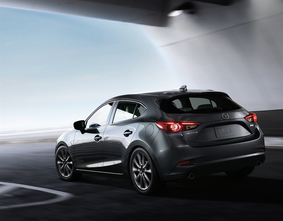 2018 Mazda3 Hatchback, MORE CONFIDENCE ON EVERY CURVE