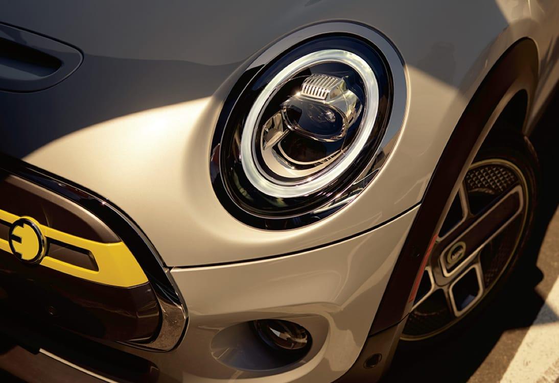MINI Electric Hardtop 2 Door – Front driver side headlight