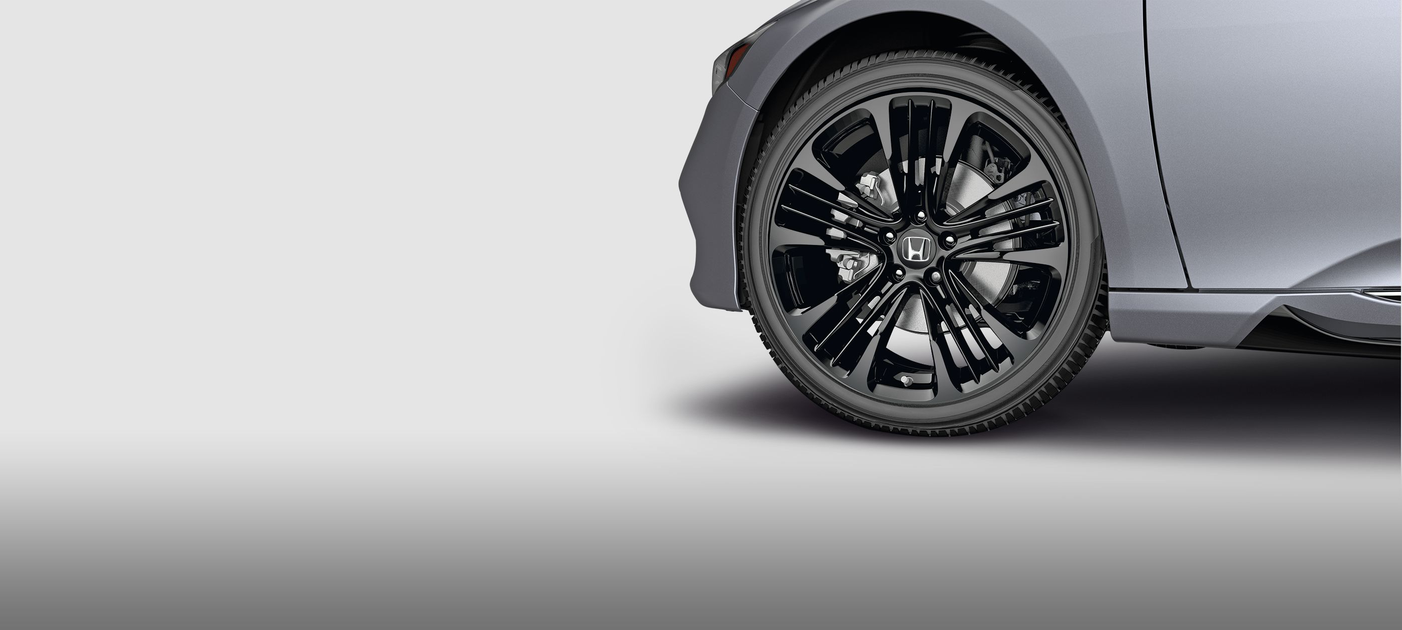 19-inch Black Alloy Wheel