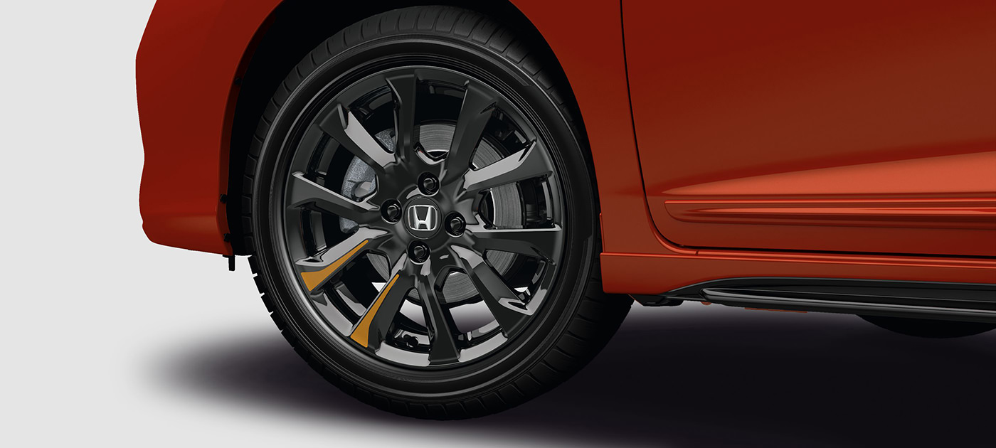 16-inch Black Alloy Wheel