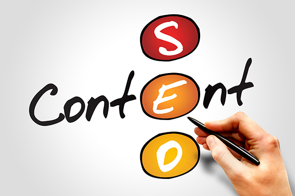 The word Content and acronym SEO (search engine optimization) intersect at the common letter e.