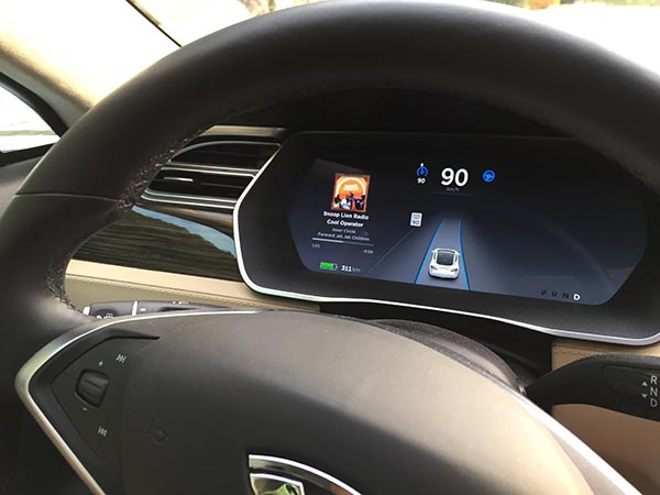 Testing the Tesla autopilot (self driving mode), October 17, 2015.