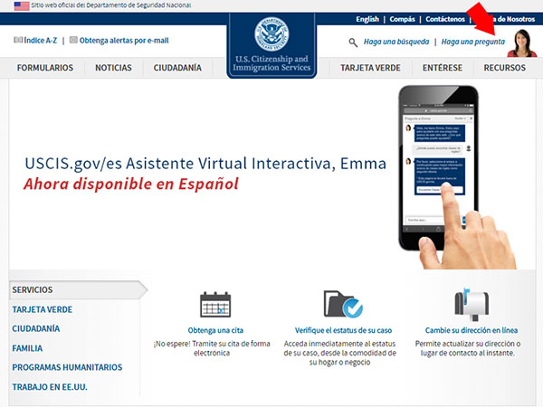 An arrow points to Emma on a screen capture of the Spanish USCIS website.