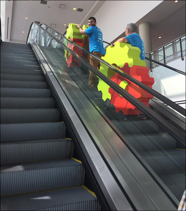 Riding the escalators and getting the DigtialMarketer gears to their homes as we set up Content & Commerce Summit 2017