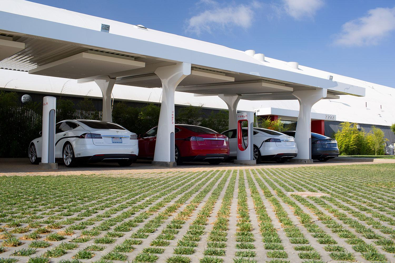 House Charging Station Can Elon Musk Solve The World S Energy Needs With Cars And