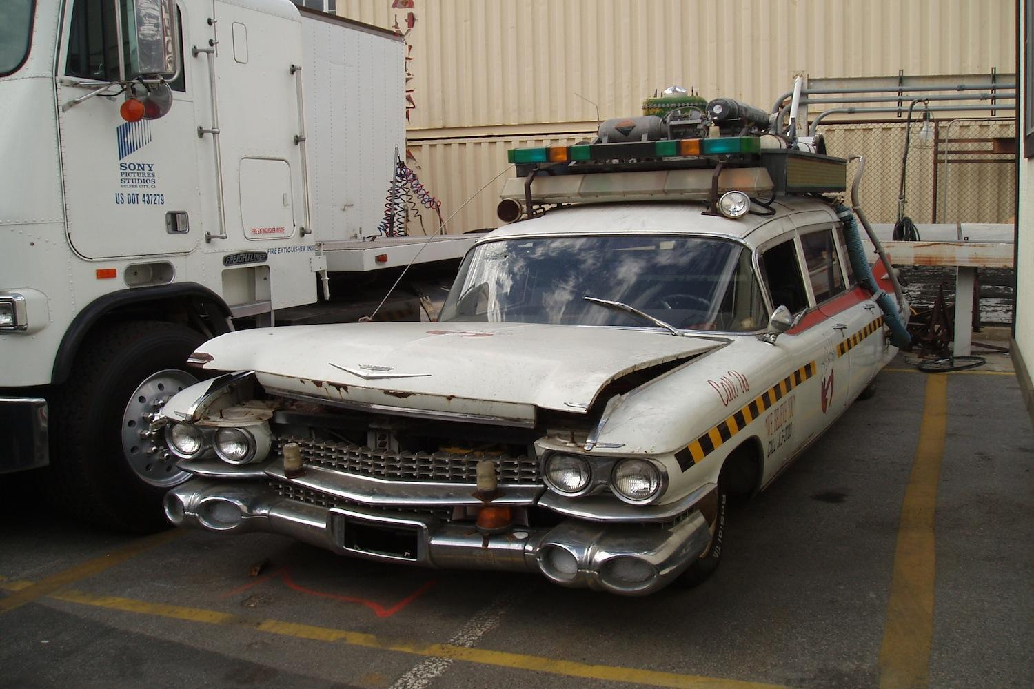 fans rally to restore ghostbusters 39 ecto 1a cadillac. Black Bedroom Furniture Sets. Home Design Ideas