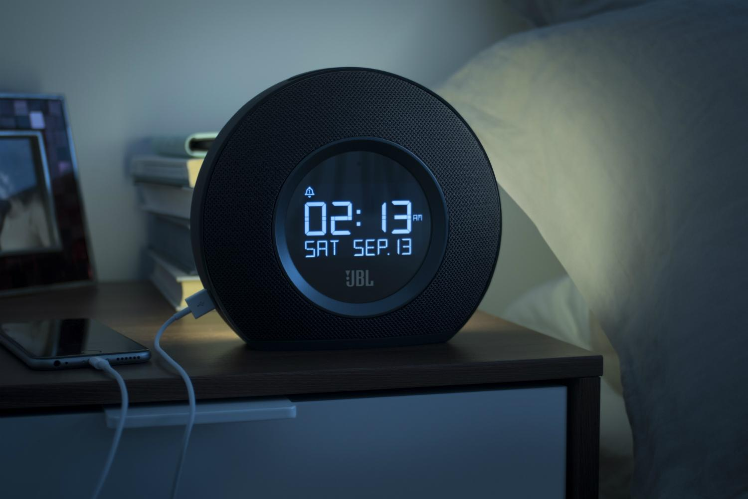 Jbl Horizon Clock Radio Qakes Up With Ambient Light