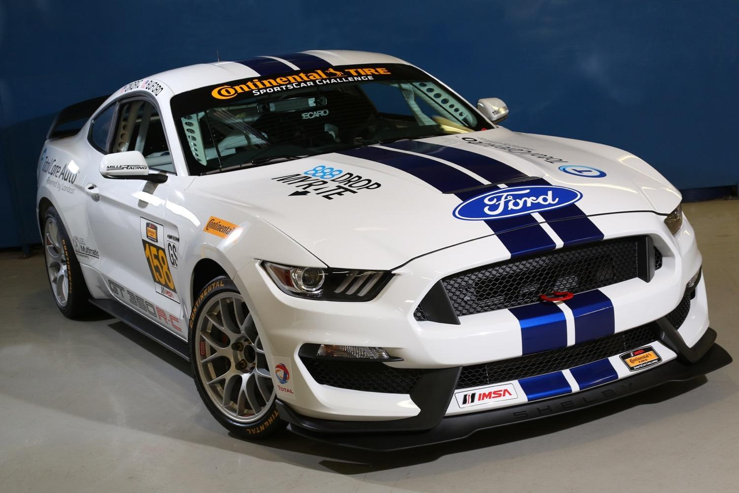 ford shelby mustang gt350r c makes its racing debut. Black Bedroom Furniture Sets. Home Design Ideas