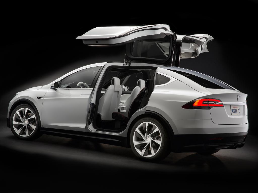 elon musk confirms model x starts shipping later this month. Black Bedroom Furniture Sets. Home Design Ideas