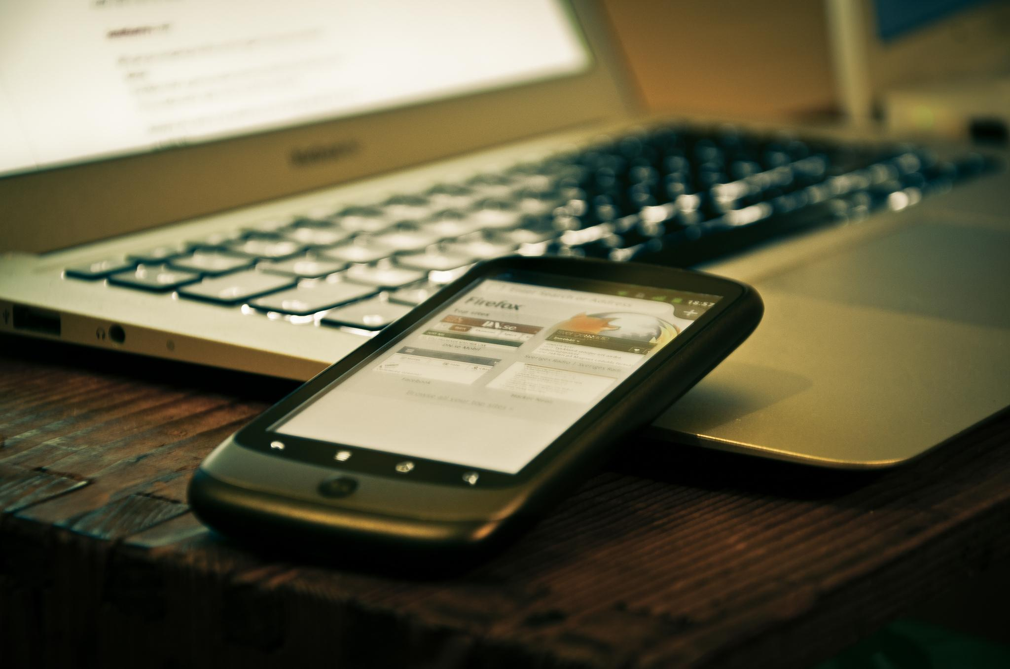 How to Transfer Files Between Your Smartphone And PC ...