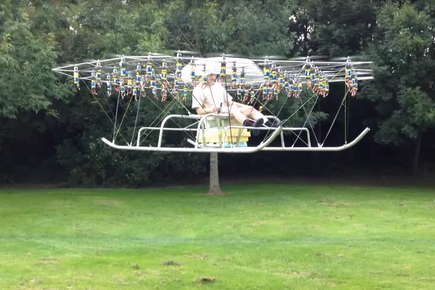 this crazy hobbyist built a flyable 54 rotor personal