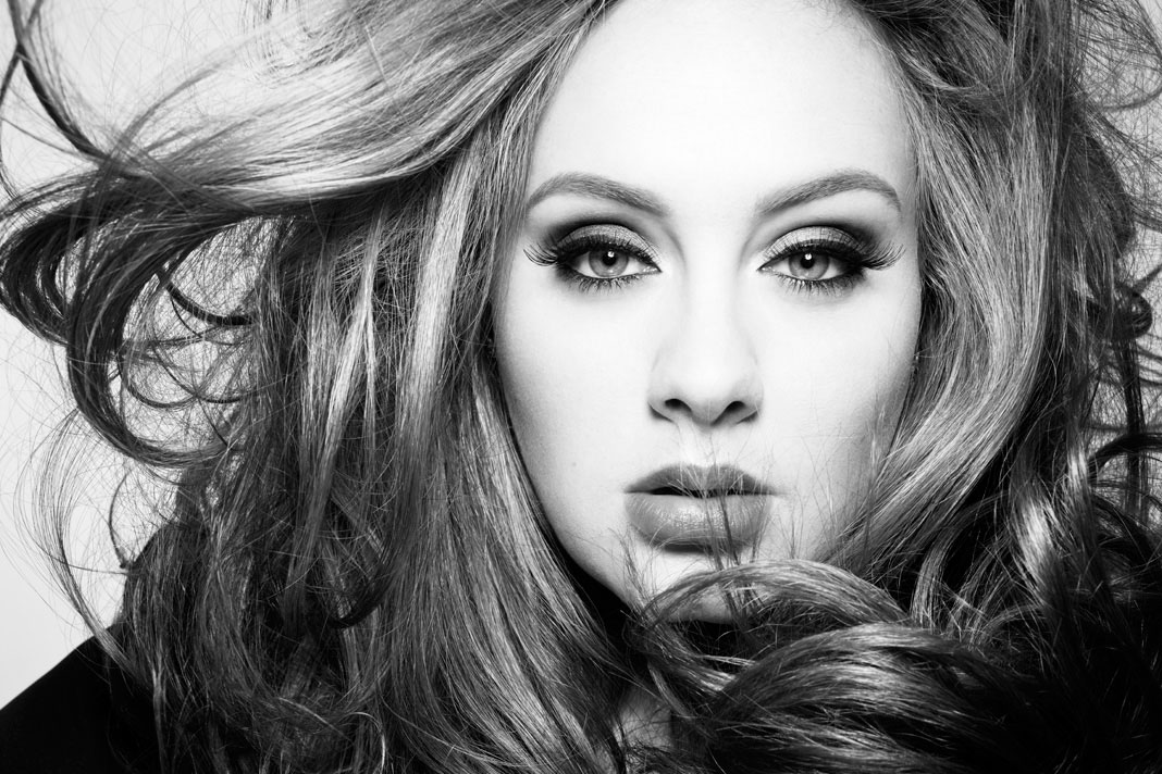 Adele's 25 Says Hello To Another Record, Sells Over 4