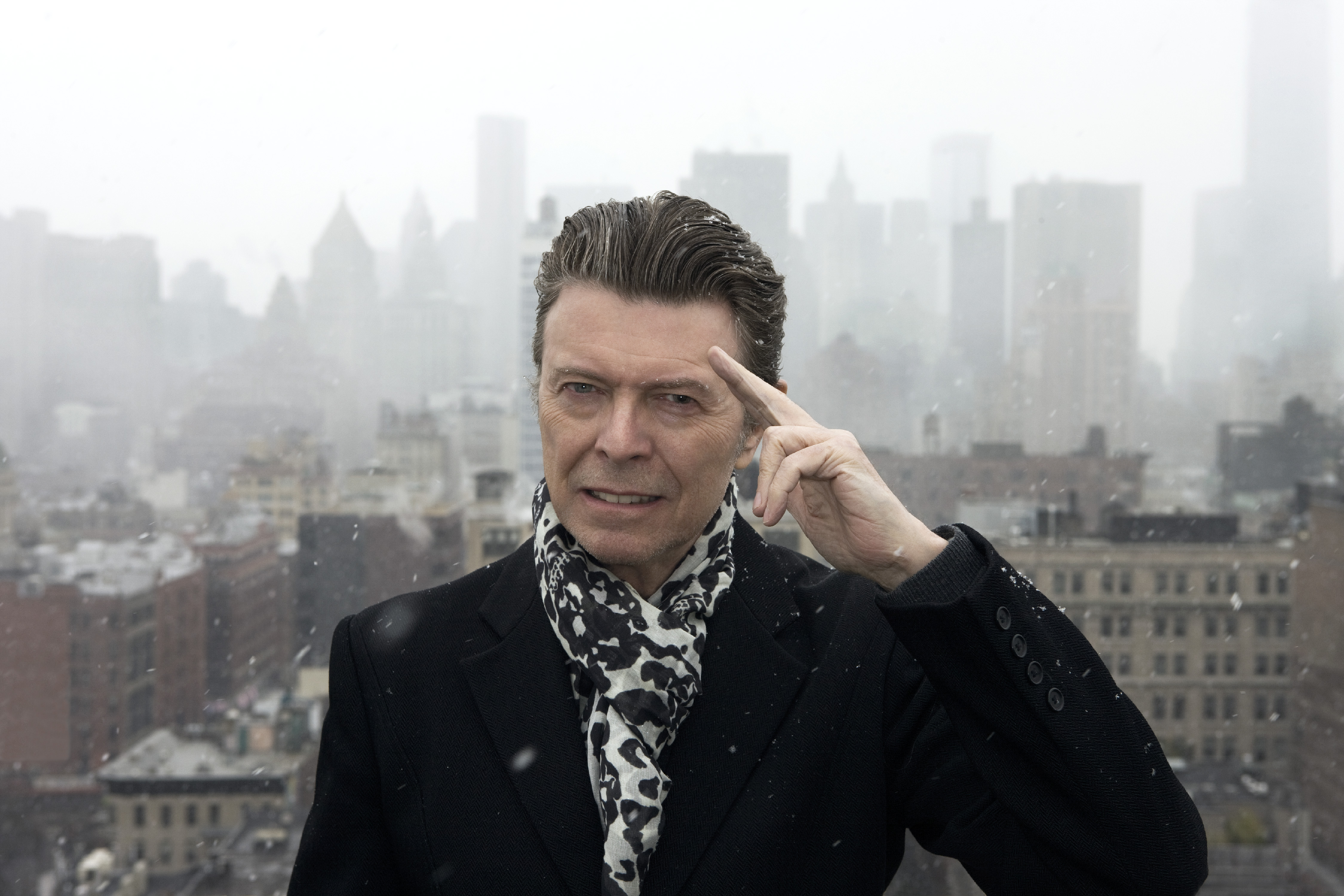 David Bowie on roof