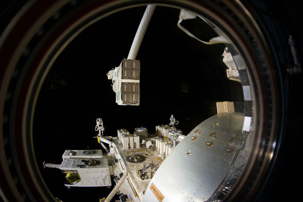 Speed Test Frontier >> NASA wants to install extra airlock space on the ISS, then ...