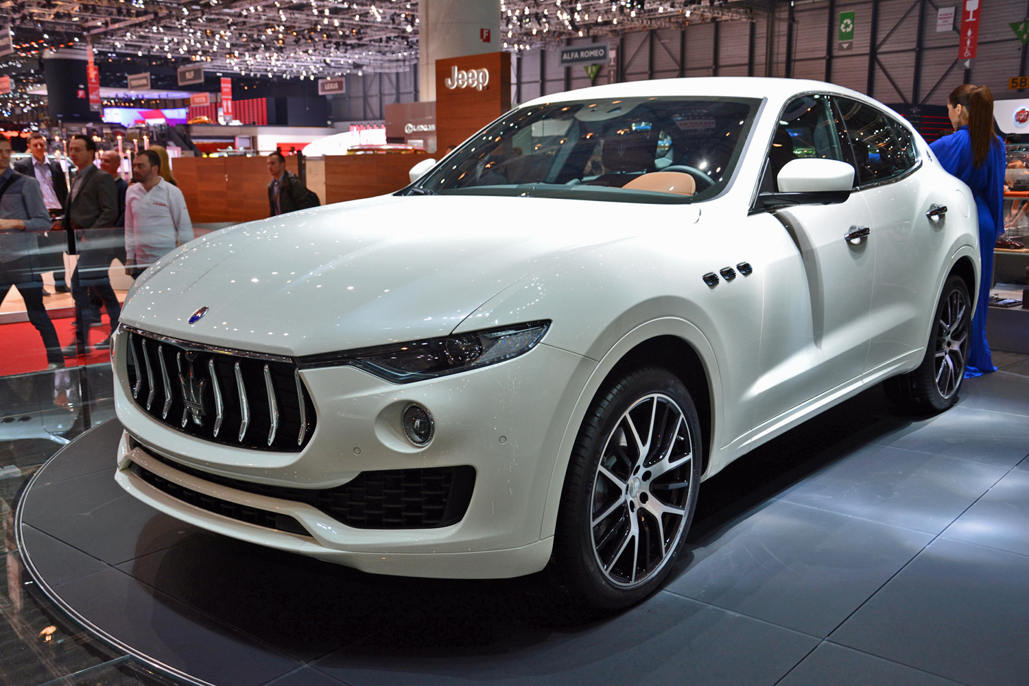 could a v8-powered maserati levante topple the porsche cayenne turbo?