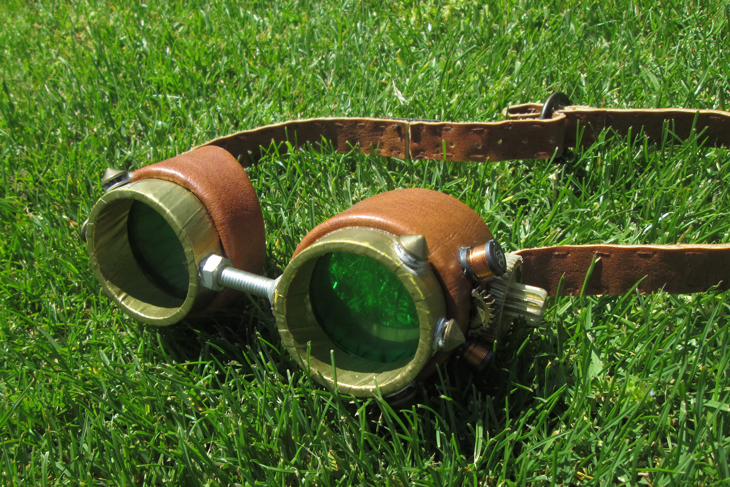 How to Build a Set of DIY Steampunk Goggles | Digital Trends