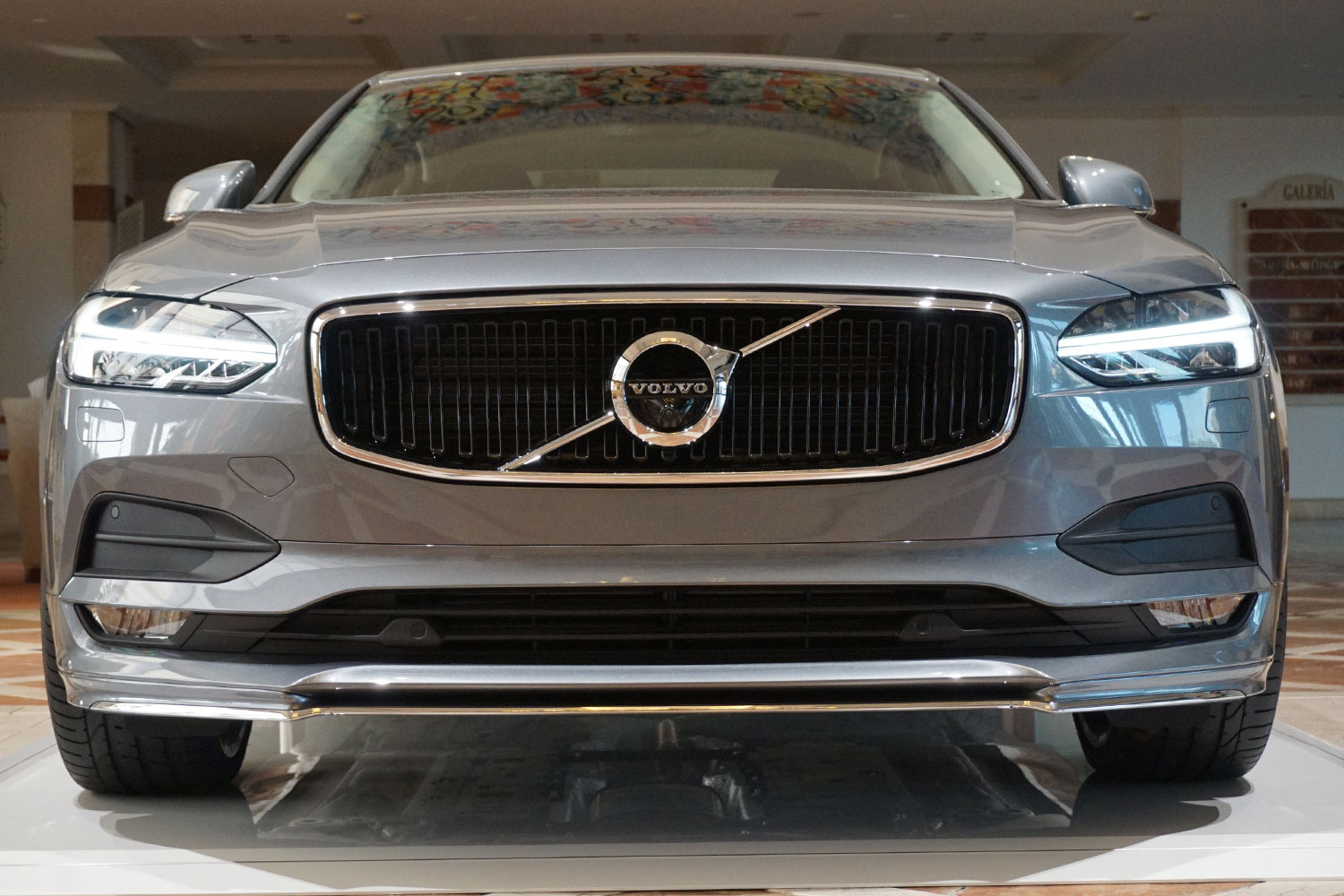 2017 volvo s90 takes on the germans and wins digital trends. Black Bedroom Furniture Sets. Home Design Ideas