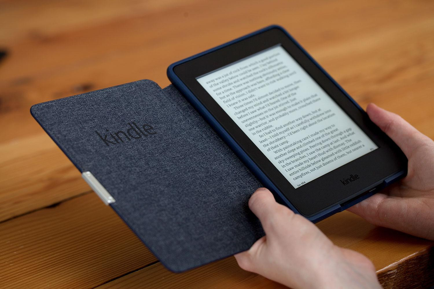 kindle paperwhite downloading books