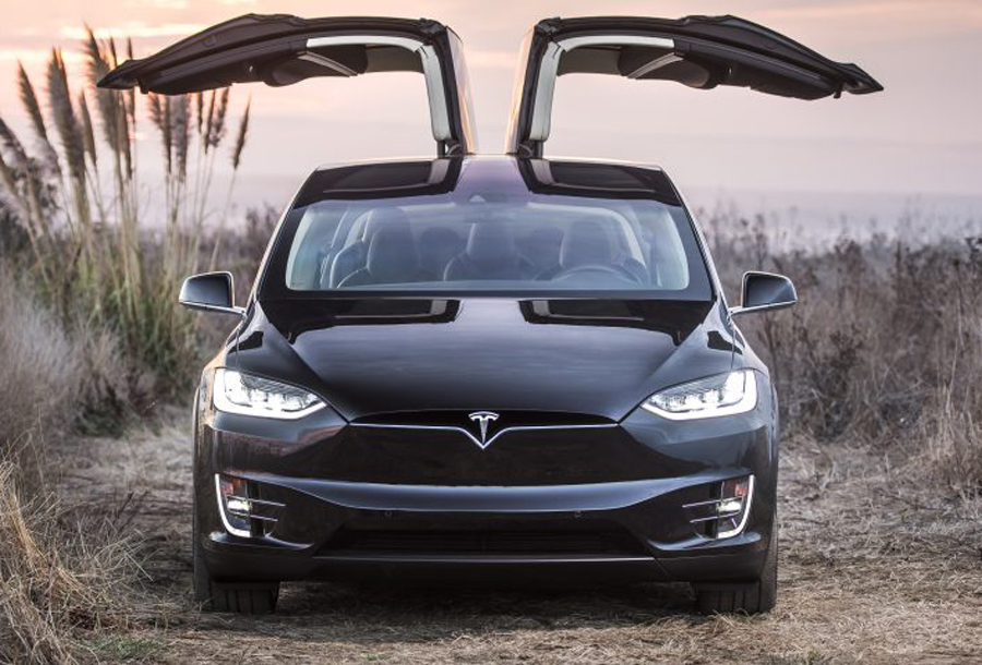 in a price reducing move tesla announces the 60kwh model x 60d. Black Bedroom Furniture Sets. Home Design Ideas