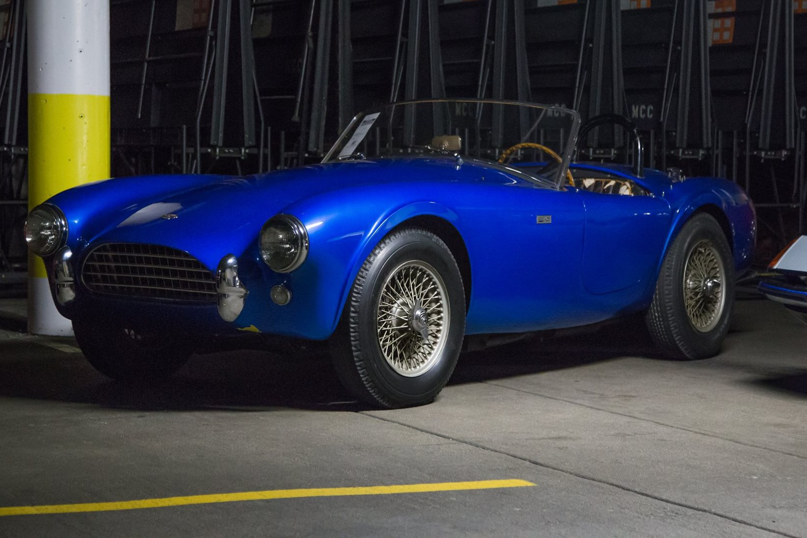 first ford shelby cobra sold for ridiculous amount of money. Black Bedroom Furniture Sets. Home Design Ideas