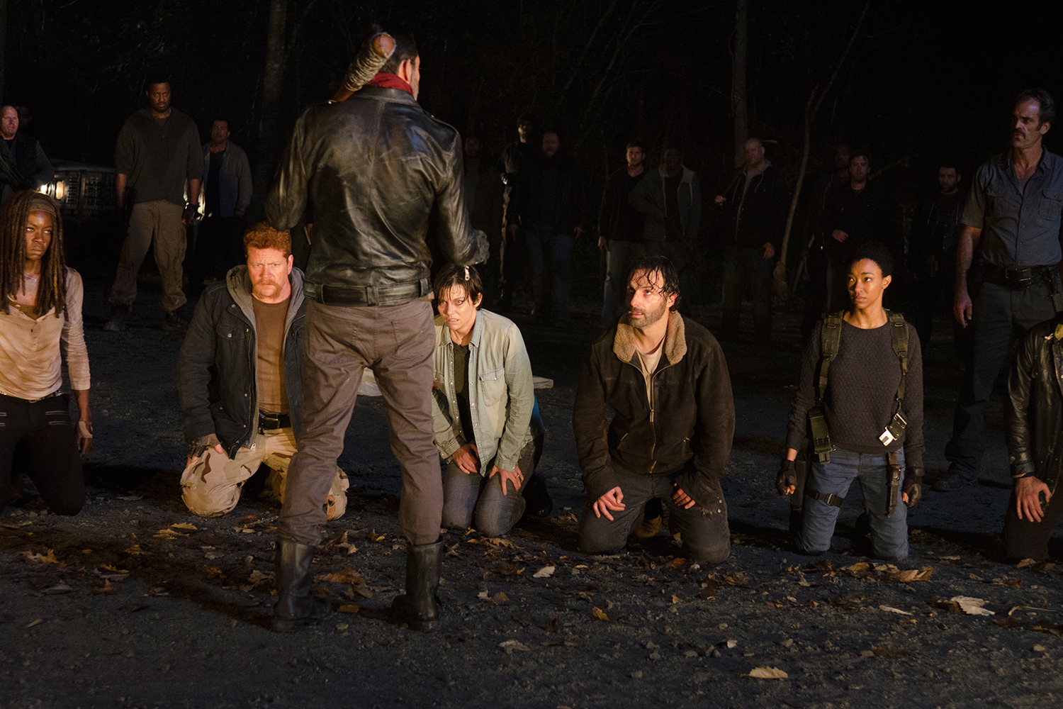 The Walking Dead Premiere Clobbers Ratings But Sparks