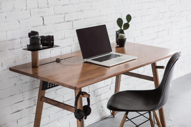 the best computer desks of 2016 digital trends. Black Bedroom Furniture Sets. Home Design Ideas