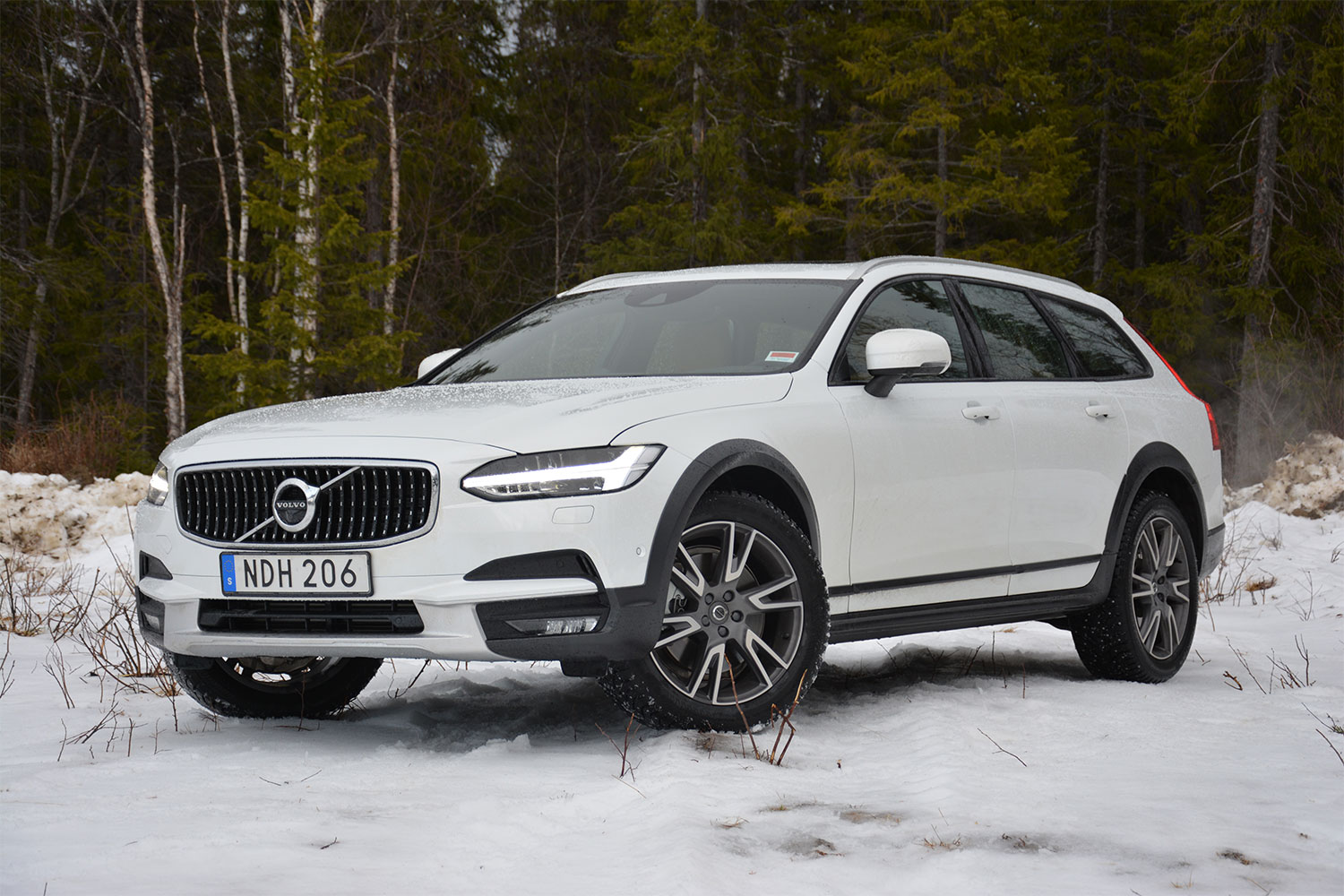 2017 volvo v90 cross country first drive. Black Bedroom Furniture Sets. Home Design Ideas