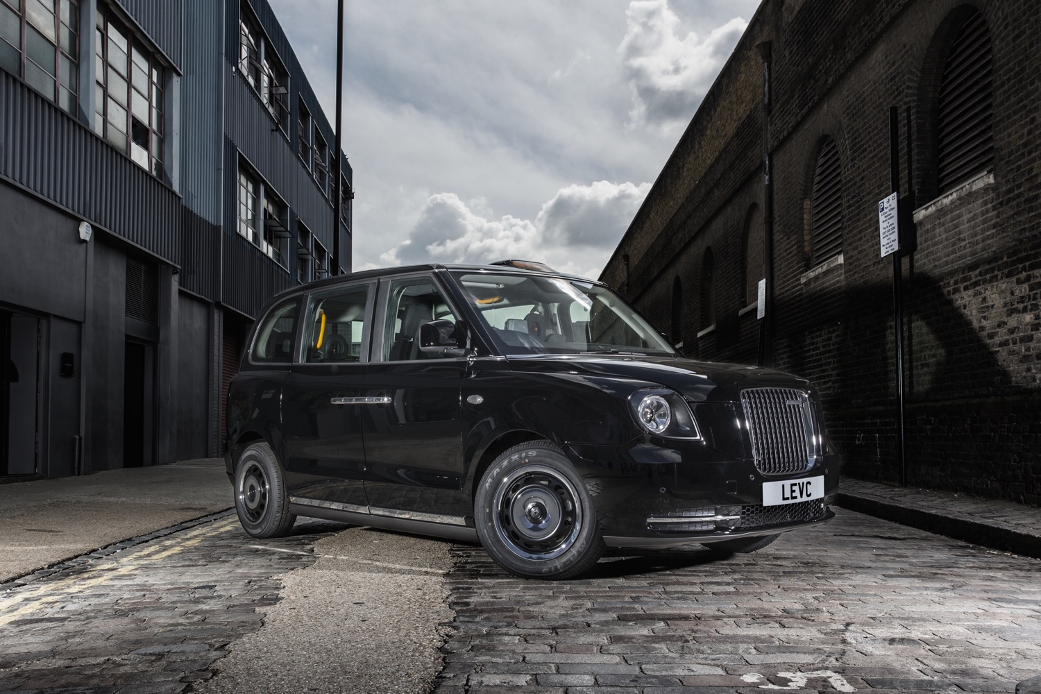 London S Anticipated Electric Black Cab Launch Loses Its Spark