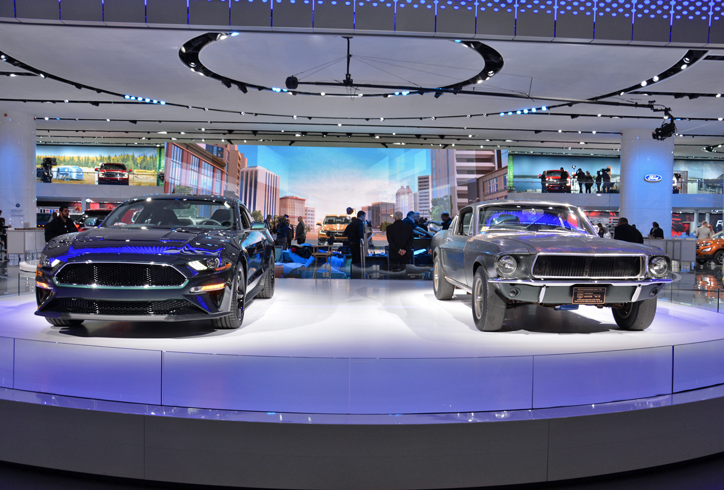 trucks muscle and futurism 7 detroit auto show rides we can t wait to drive. Black Bedroom Furniture Sets. Home Design Ideas