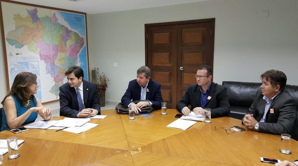 Com a presença do Deputado Federal Fábio Garcia