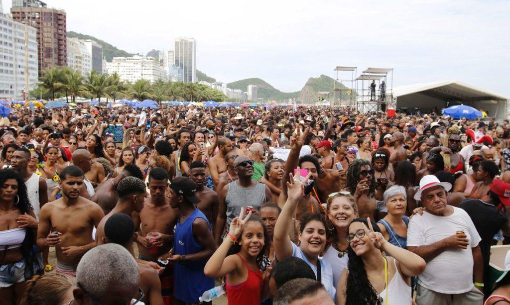 Festa de abertura dos 50 dias do Carnaval Rio 2020 na praia de Copacabana