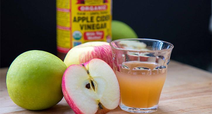 apples with apple cider vinegar