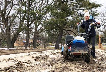 D2D on the Farm: Support Local Farms