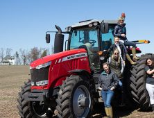 From the Farm Babe: Who is Dirt-to-Dinner?