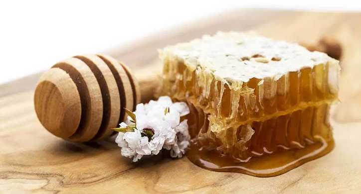 Manuka Honey: Life Changer or Money Waster?
