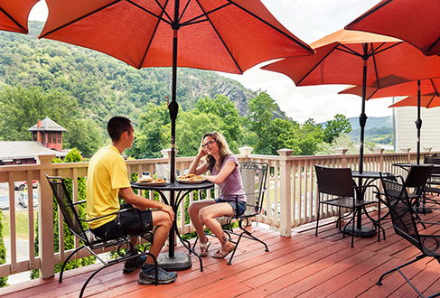 outdoor dining harpers ferry