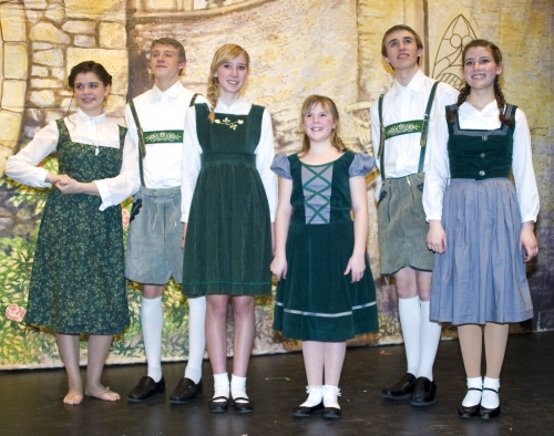 Von Trapp Children, Performance