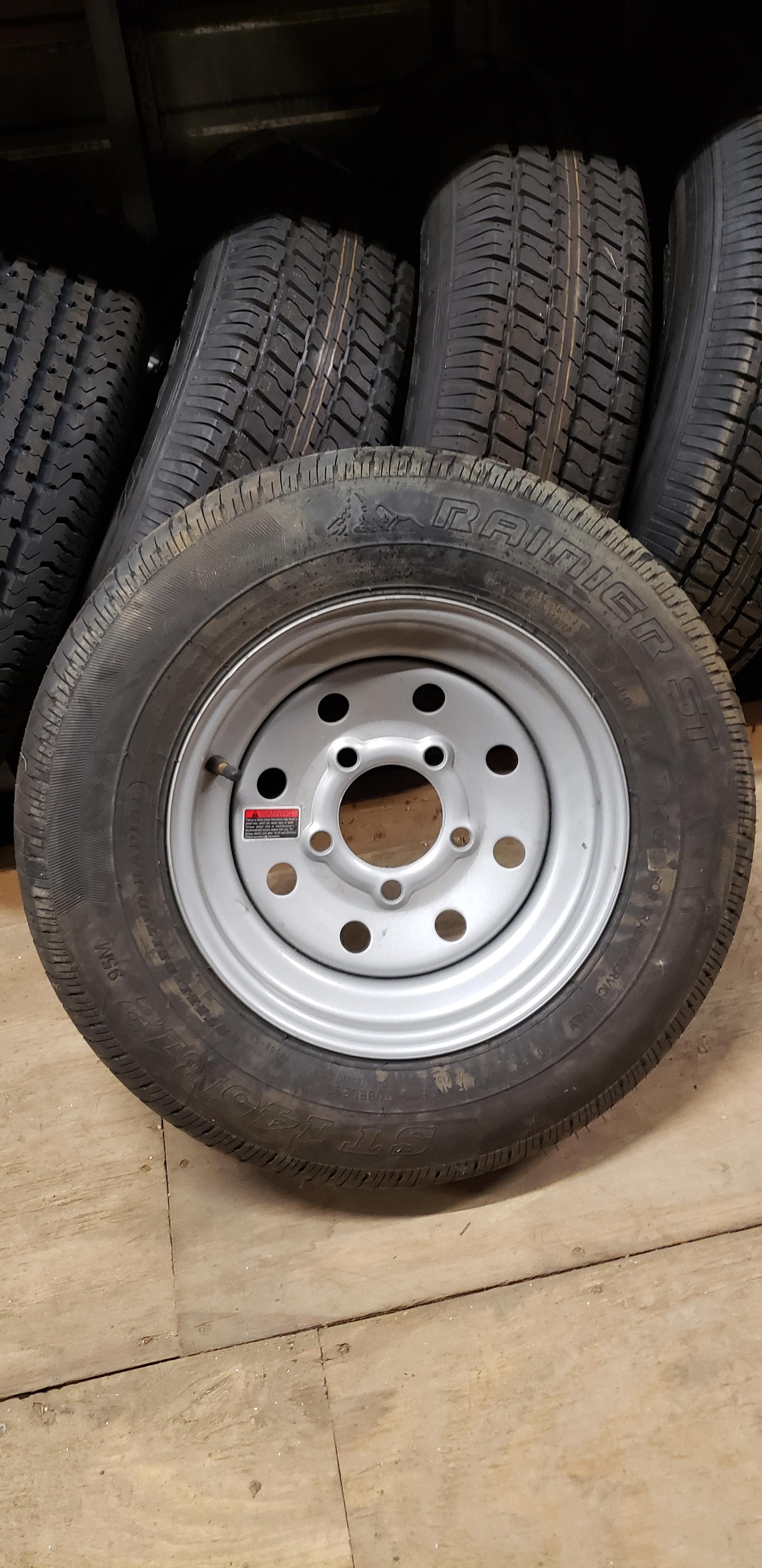 ST145R12- Rainier- Gray- Rim and Wheel