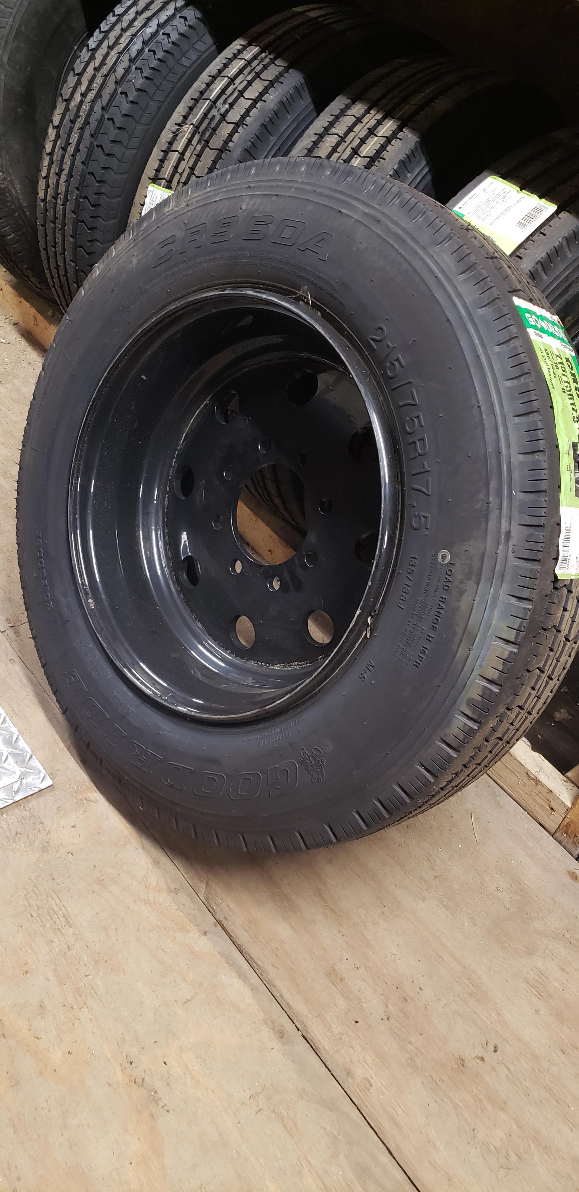 215/75R17.5 Goodride- Black- Rim and Wheel