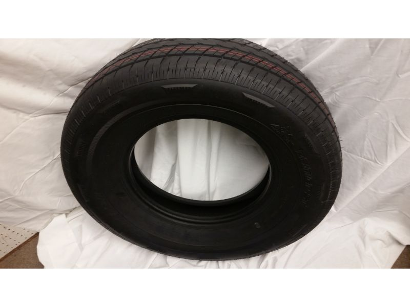 ST235/80/R16 Raineer Radial Tire Only