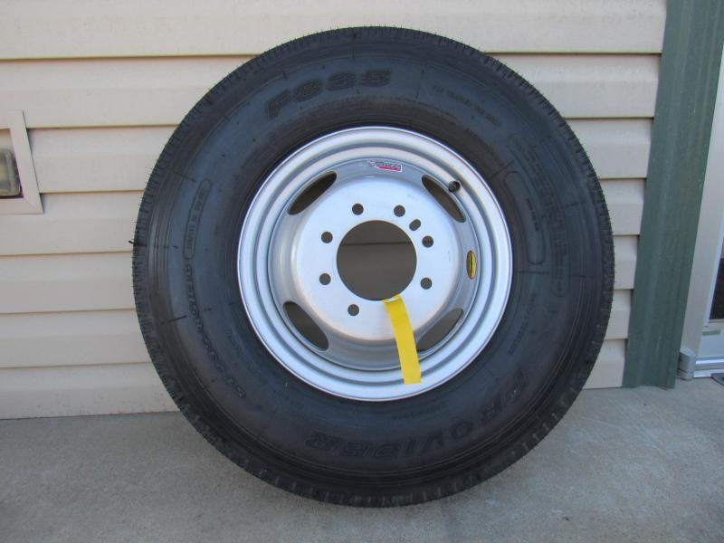 Tire ST235/85R16/8 Hole Dual