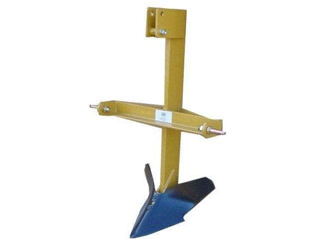King Kutter MB Middle Buster 3-pt Implement